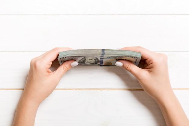 Pakiet 100 banknotów dolarowych
