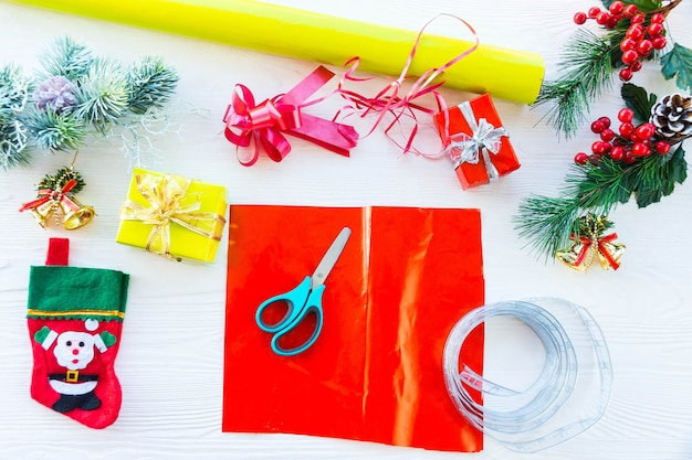 Pakowanie prezentów na nowy rok