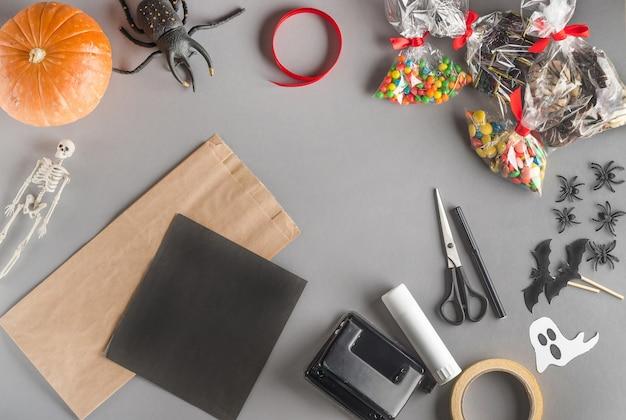 Pakowanie prezentu na halloween krok po kroku