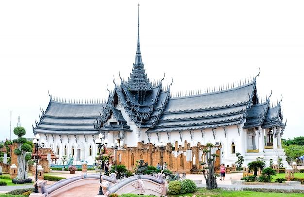 Pałac sanphet prasat. phra si sanphet royal palace w starożytnym mieście samut prakan w tajlandii.
