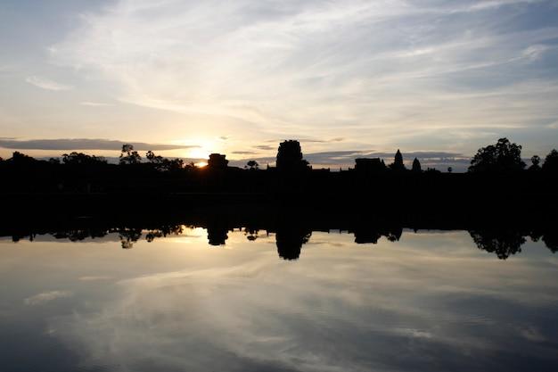 Pałace anckor, siem reap, camboda. piękny raj.