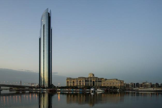 Pałacowy luksusowy hotel palazzo versace w dubaju, zea,