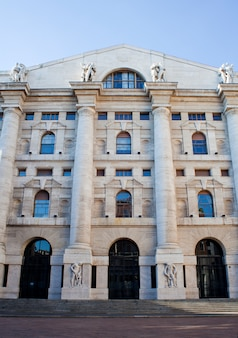 Palazzo della borsa. wymiana budynku, mediolan
