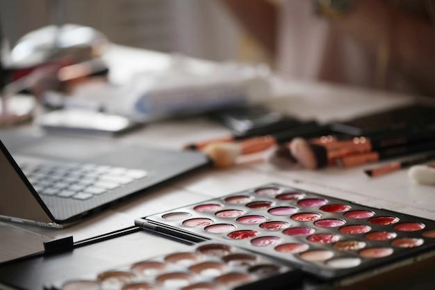Paleta kolorów makijażu