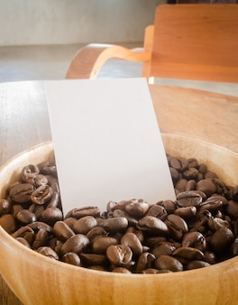 Palonych ziaren kawy i wizytówki