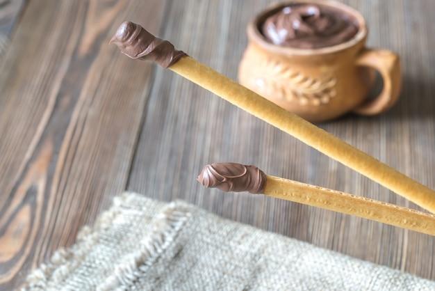 Paluszki chlebowe z kremem czekoladowym