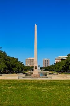 Pamiątkowy obelisk houston hermann park pioneer