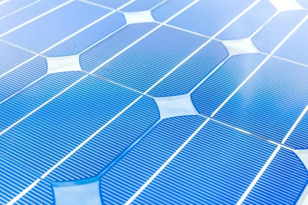 Panel słoneczny (ogniwo słoneczne) na energię alternatywną do akumulatora na platformie wiertniczej, ropy naftowej i gazu lub ropy naftowej