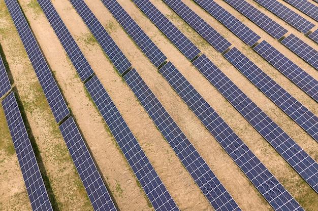 Panele elektryczne do produkcji czystej energii ekologicznej.