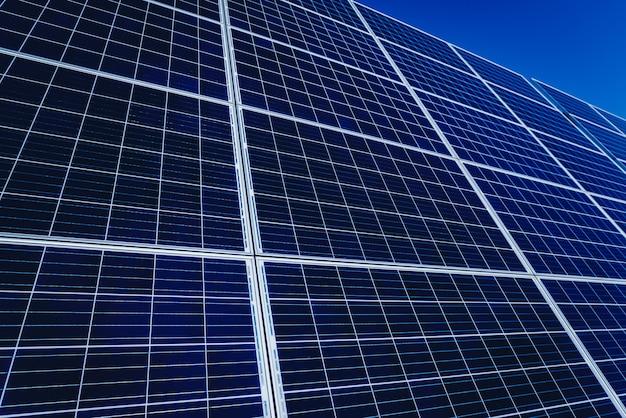 Panele słoneczne, fotowoltaiczne, alternatywne źródło energii elektrycznej