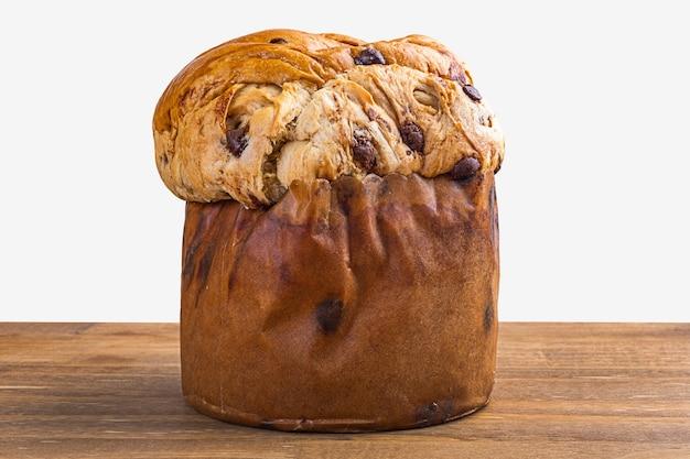 Panettone z czekoladą, tradycyjny włoski tort deserowy.