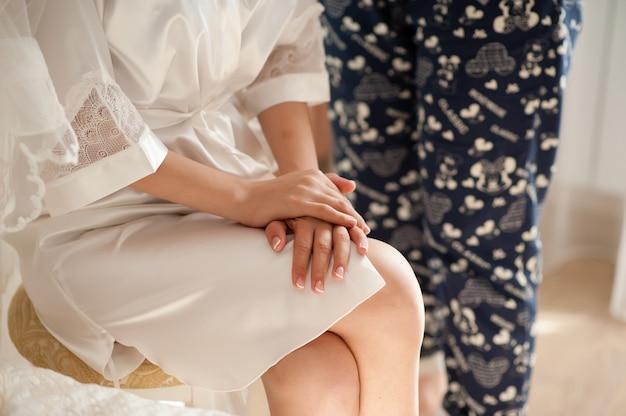 Panna młoda piękna ręce.