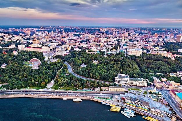 Panorama centrum kijowa, stolicy ukrainy