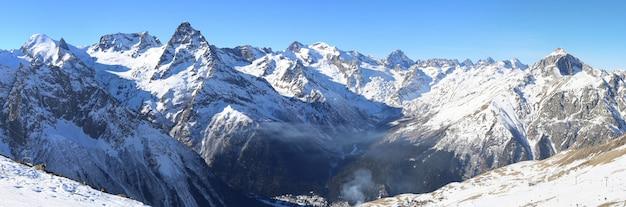 Panorama gór zimowych