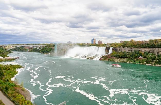 Panorama niagara spada w jesieni, ontario, kanada
