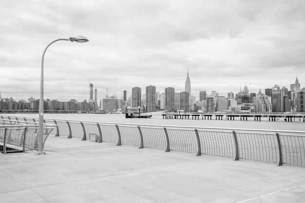 Panorama panoramę manhattanu z empire state building