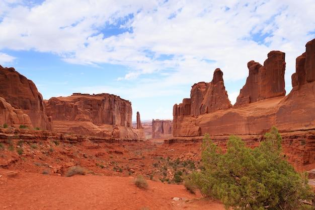 Panorama red desert z parku narodowego arches