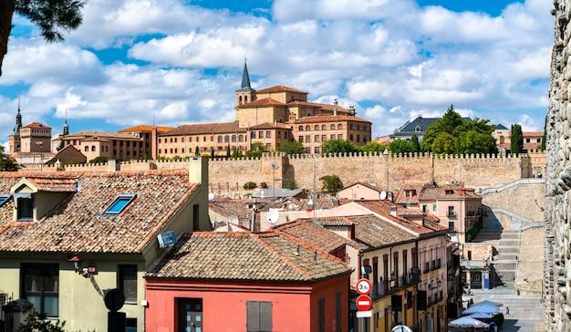 Panorama starego miasta w segowii w hiszpanii
