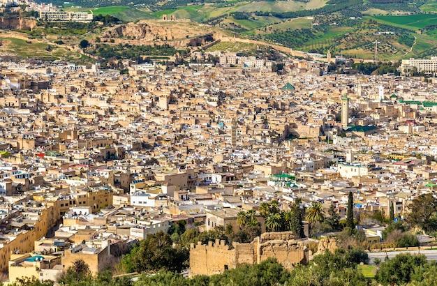 Panorama starej medyny w fezie. maroko, afryka północna