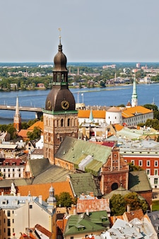 Panorama z katedry w rydze na starym mieście w rydze, łotwa