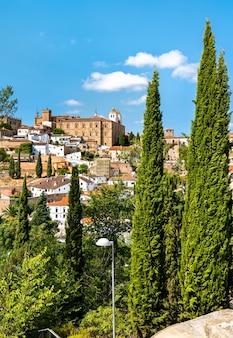 Panoramę caceres w hiszpanii