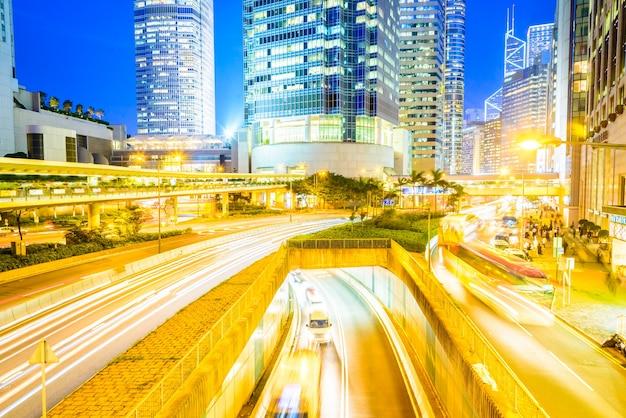 Panoramę miasta kong zmierzch samochód
