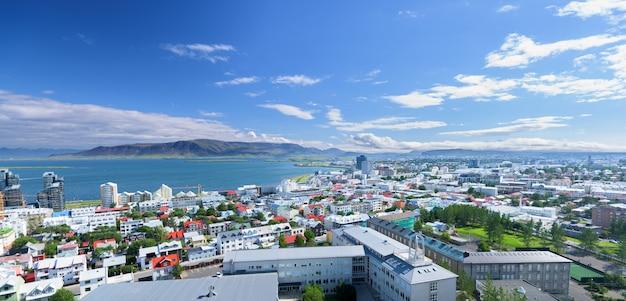 Panoramę miasta reykjavik w islandii