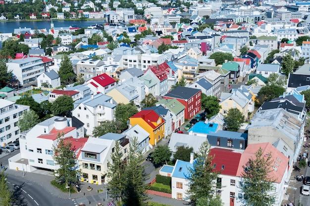 Panoramę miasta reykjaviku w islandii