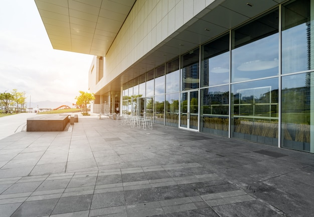 Panoramiczna linia horyzontu i budynki z pustą betonową podłoga w shenzhen, porcelana