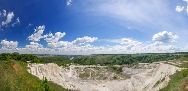 Panoramiczne widoki na góry kredowe