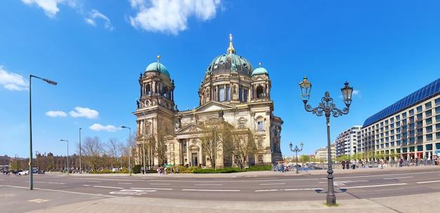 Panoramiczny obraz katedry w berlinie lub berliner dom w języku niemieckim
