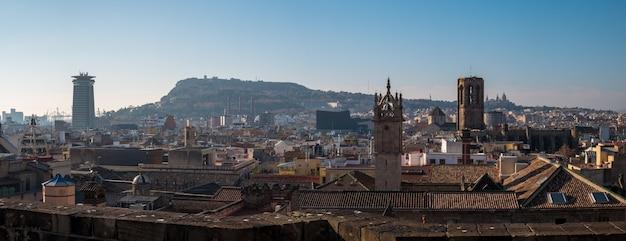 Panoramiczny widok na barcelonę.