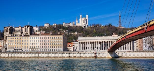 Panoramiczny widok na lyon i rzekę saone we francji, europie.