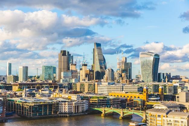 Panoramiczny widok na miasto londyn