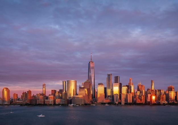 Panoramiczny widok na midtown manhattan z hoboken jersey city new jersey