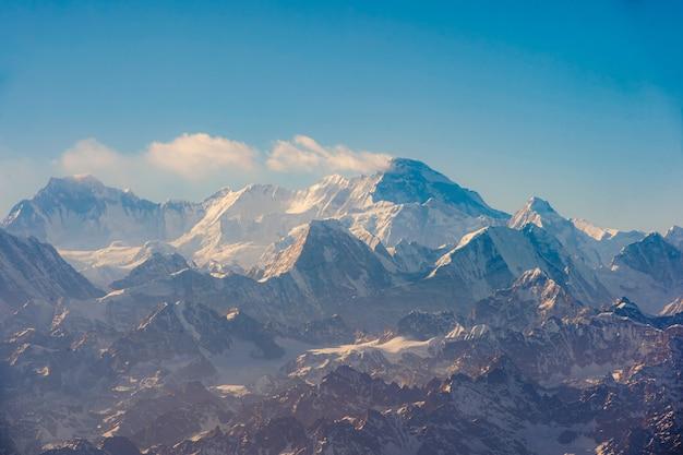 Panoramiczny widok na mount everest, himalaje napal.