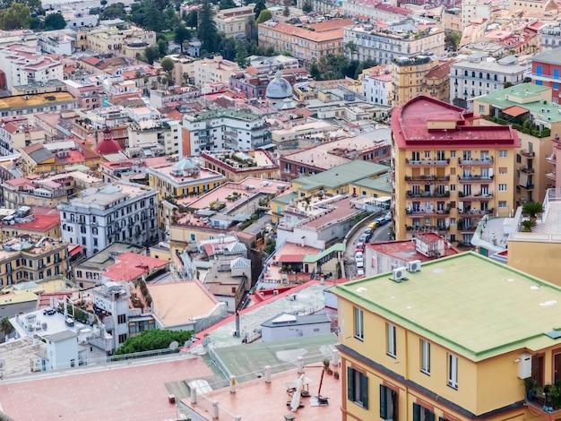 Panoramiczny widok na neapol