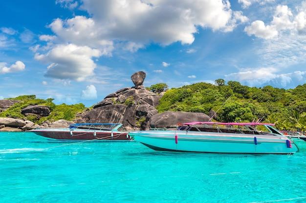 Panoramiczny widok na wyspy similan, tajlandia