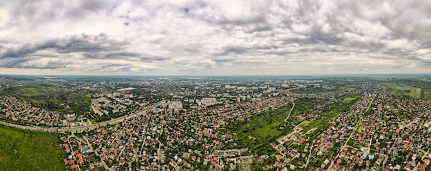 Panoramiczny widok z lotu ptaka na kiszyniów, mołdawia