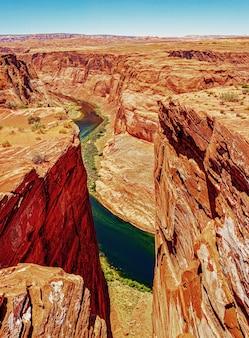 Panoramiczny widok zakola podkowy i rzeki kolorado panoramiczny zakola podkowy
