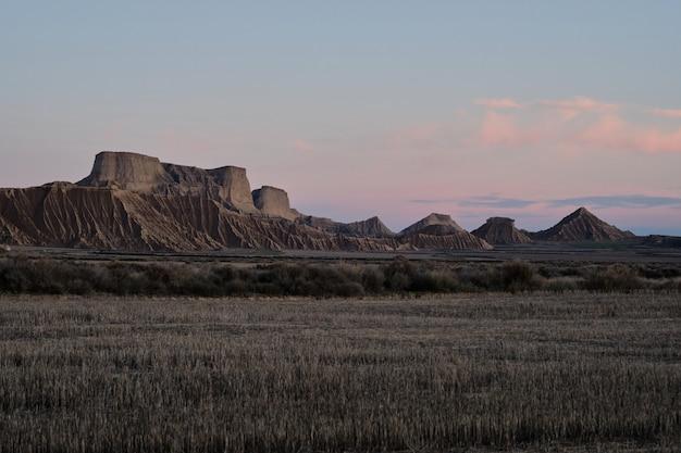 Panoramiczny z pustyni bardenas w hiszpanii