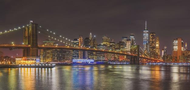 Panoramy scena nowy jork pejzaż miejski z mostem brooklyńskim, usa