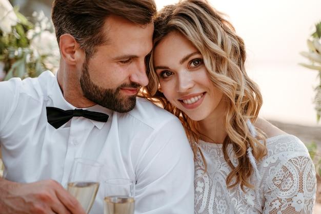 Państwo młodzi na weselu na plaży?