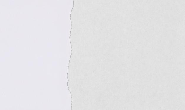 Papier artystyczny z zakładkami i łzami do projektowania.