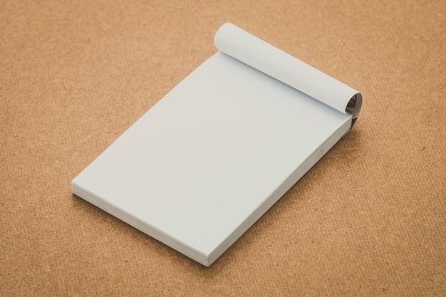 Papier biały makijaż