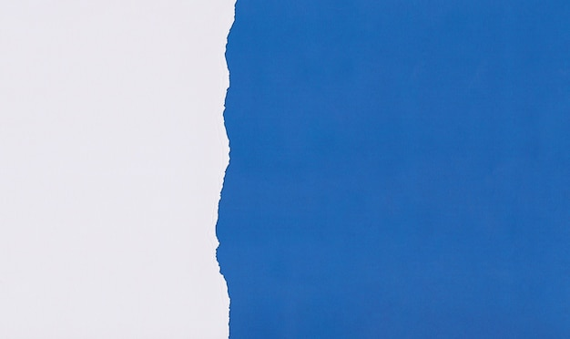 Papier blue art z nakładaniem się i rozdzieraniem do projektowania.