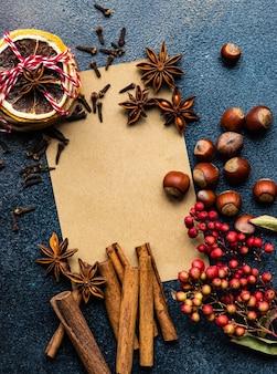 Papier do pieczenia z laskami cynamonu i anyżem