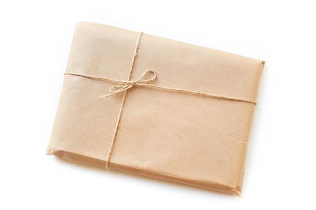 Papier kopertowy zawiązany sznurkiem