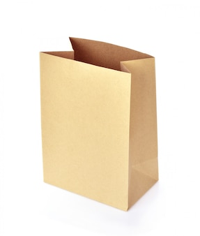 Papierowa torba odizolowywająca na białym tle