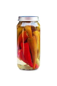 Papryczki chili w szklanym słoiku, rzemieślnicze przygotowanie pikli